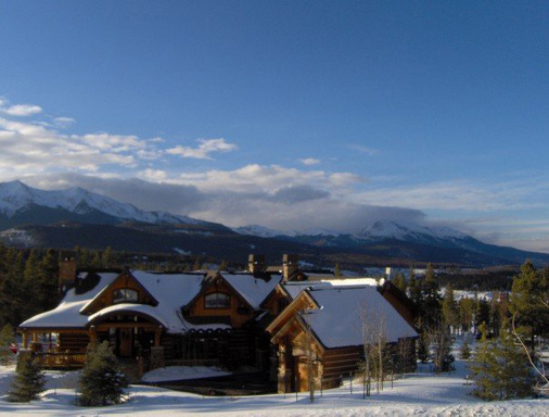 Vacation rentals can offer travelers top-notch amenities, more living space, and potential savings for winter ski or sun trips. (A TripAdvisor traveler photo)