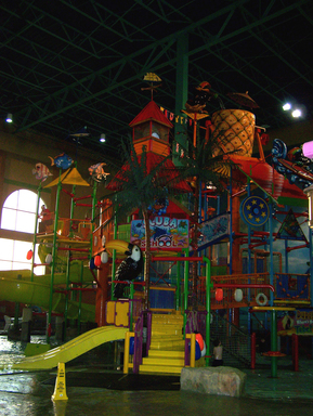 KeyLime Cove Resort and Water Park in Gurnee, Illinois is the top U.S. large hotel for families, according to TripAdvisor's 2012 Travelers' Choice Hotels for Families.