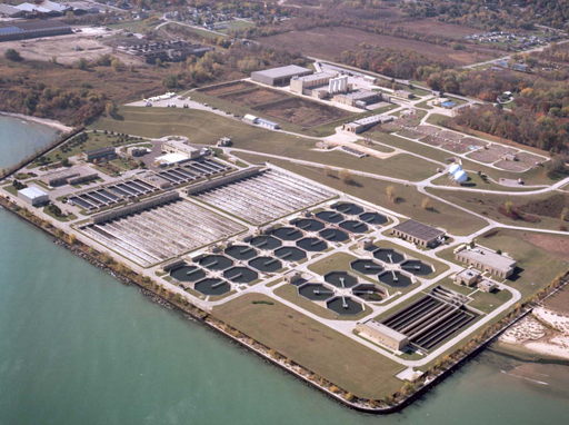 Wastewater treatment plant: Advanced wastewater treatment plants, like this one at Milwaukee Metropolitan Sewerage District (MMSD) convert food waste into renewable energy through anaerobic digestion.