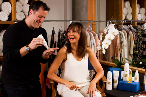 Dove Hair Behind-the-Scenes Shoot with Rashida Jones