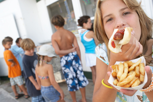 Hot dogs are the least recommended dish by Americans, as discovered by the Hotels.com global food survey.