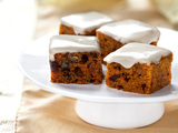 53513-mini-pumpkin-date-nut-cake-sm