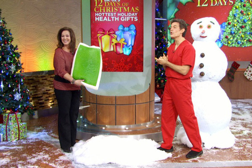 The Dr. Oz Show featuring Comfort Revolution's Cooling Hydraluxe Pillows as one of his top picks of 2012.