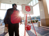 Salvation-army-kettle-ringer-2-sm