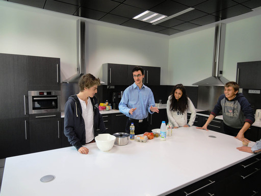 Teaching a French Cuisine in the professional kitchen of the EF Paris school