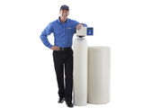 Culligan-man-with-water-softener-sm