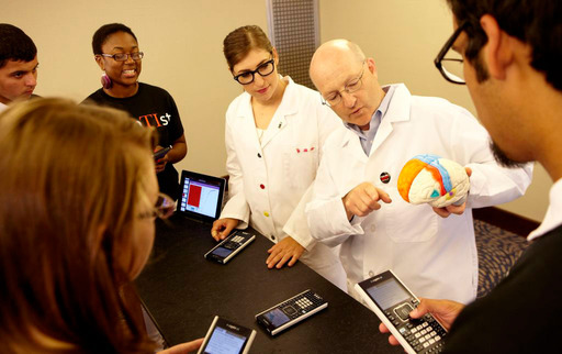 The Big Bang Theory's Dr. Mayim Bialik, Dr. Steven Schlozman and a group of students experiment on TI-Nspire CX handhelds to learn how an airborne infection would spread through a population.