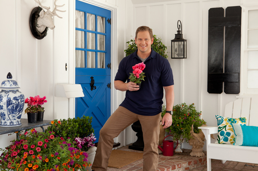 In TruGreen's ''Grow Curb Appeal'' spring webisode, Jason Cameron, licensed contractor and TV host, shows how to create instant pops of color to help your home's outer charm bloom.