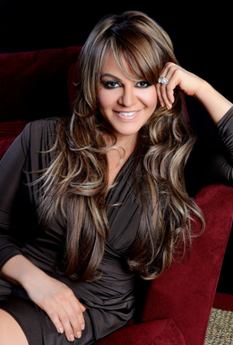 Jenni Rivera se presentara en los Premios Billboard de la Música Latina por Telemundo.  Jenni Rivera to perform at the Billboard Latin Music Awards on Telemundo.