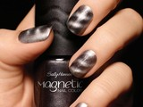 Sally-hansen-magnetic-nails-bottle-in-hand-sm