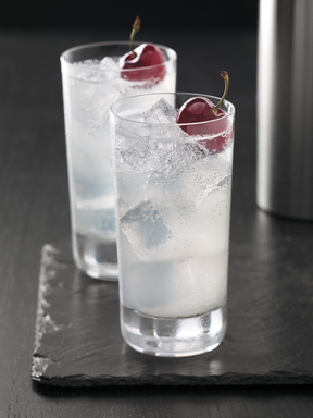 GREY GOOSE Cherry Noir Cherry Collins - Bold cherry flavor is a daring but delicious addition to this classic, featuring GREY GOOSE Cherry Noir Flavored Vodka, fresh lemon juice and simple syrup, topped with club soda.