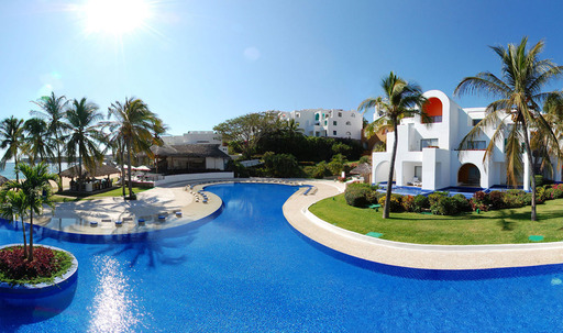 Go Inclusive at Camino Real Zaashila Huatulco only through Apple Vacations!