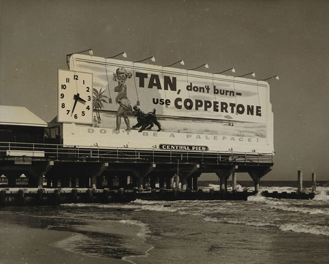 Little Miss Coppertone appeared as part of a 35-foot billboard at Miami's Central Pier from 1959-1991.