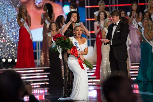 Mallory Hagan,  Miss New York, being crowned Miss America 2013