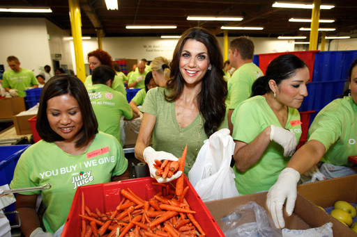 Photo courtesy of Nestle USA, Samantha Harris, TV Personality and Feeding America Entertainment Council Member, Volunteers at the Launch of the Nestle Juicy Juice Fruit for All Project at the Los Angeles Regional Food Bank on Thursday, May 31, 2012