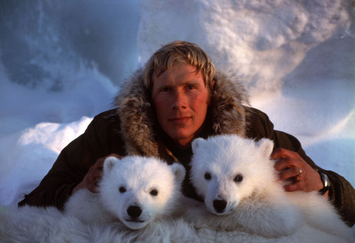 Dr. Steve Amstrup early in his career. While still a young researcher, he solved the decades-old mystery of where Alaskan polar bears give birth to their young.  ©Daniel J. Cox/PolarBearsInternational.org