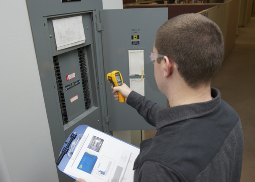 The Fluke 62 Max is ideal for quick temperature scans of systems to look for unusual hot spots that signal electrical and electro-mechanical malfunctions.