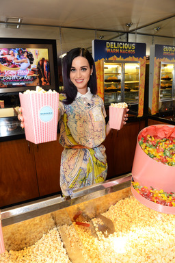 Katy Perry Suprise Appearance, London
