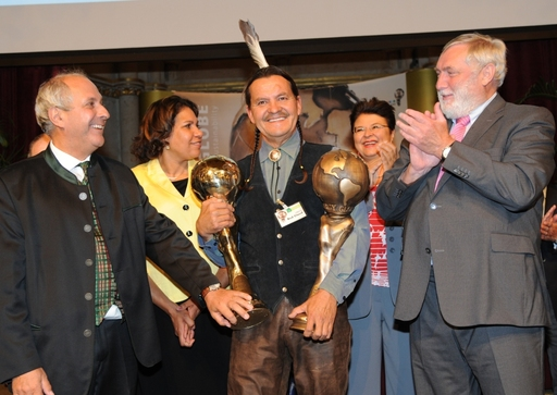 From left to right: Wolfgang Neumann (Energy Globe Founder), World Winner Henry Red Cloud (Lakota Solar Enterprises), YOUTH Award Presenter Leanne Liddle (Bush Heritage Australia Board Member), Host Renate Brauner (Vice Mayor Vienna, President CIRIEC Cong