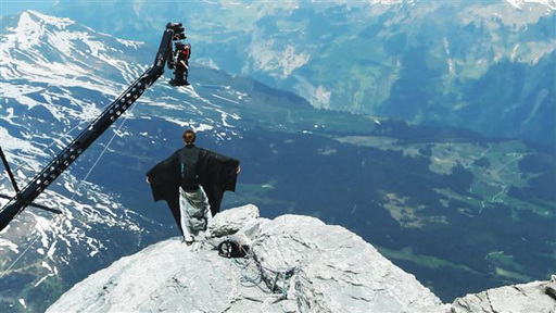 Base jumping from 12,000 feet up, Verizon's Speed Guys are helping announce the  amazing new FiOS Quantum Internet speeds as high as 300 Mbps on the download and 65 Mbps on the  upload.