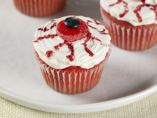 Bloodshot Eyeball Cupcakes
