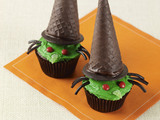 Green-face-witch-cupcakes-sm