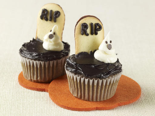 Ghosts in the Graveyard Cupcakes
