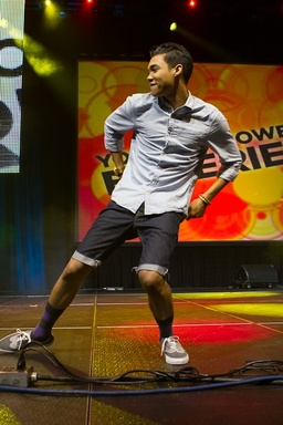Roshon Fegan hosting the Youth Empowerment Experience at the 2012 ESSENCE Music Festival (credit, Gus Bennett)