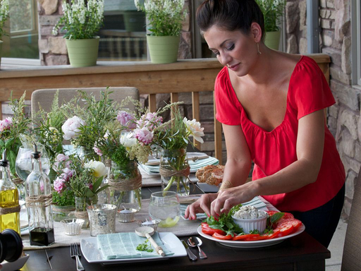 Jillian demonstrates using basil in her party décor, insipired by a Philadelphia Cream Cheese deconstructed caprese salad