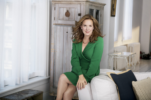 Golden Globe and Emmy Nominated Actress Elizabeth Perkins