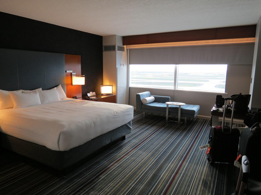 Travelers flying to the Dallas/Fort Worth Airport enjoy a stay at Grand Hyatt DFW.