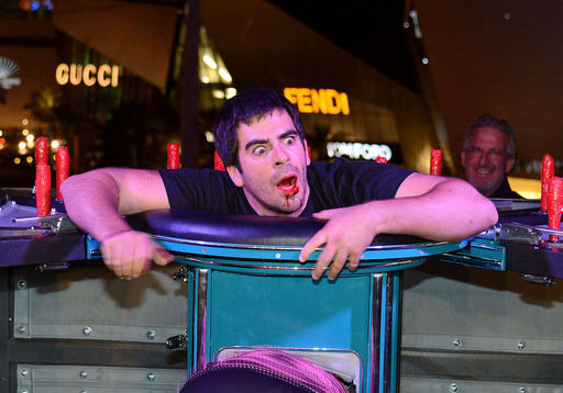 During the night's festivities, Eli Roth voluntarily locks himself inside world-renowned illusionist Franz Harary's 'exercise machine.' The GORETORIUM mastermind turned his body full circle when a bloody situation occurred.