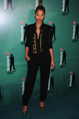 "Denise Vasi en el evento ""Crack The Case"", celebrando los 15 años de alianza de Heineken® y James Bond en el Museo del MTA en Brooklyn, NY, el 24 de septiembre de 2012. (Foto: Fernando Leon/Getty para Heineken)."