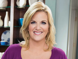 58439-trisha-yearwood-in-food-networks-trishas-southern-kitchen-sm