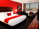 58563-new-guestroom-at-the-d-las-vegas-sm