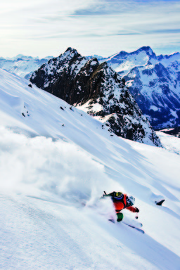 Dave Treadway skiing in the Heli Loft Jacket and Pants (c) Mattias Fredriksson
