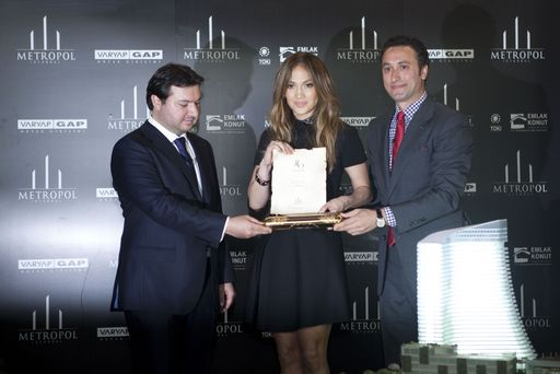 Chairman of Çalık Construction Group Ahmet Taçyıldız, Jennifer Lopez and Varyap CEO Erdinç Varlıbaş