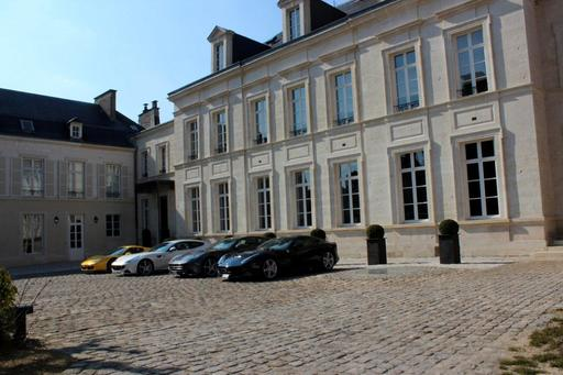 Hotel du Marc_Veuve Clicquot Private Mansion in Reims with Ferrari cars