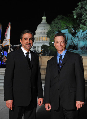 JOE MANTEGNA AND GARY SINISE CO-HOST PBS' 24TH ANNUAL NATIONAL MEMORIAL DAY CONCERT, A SPECIAL NIGHT OF REMEMBRANCE, AIRING SUNDAY, MAY 25 AT 8 PM.