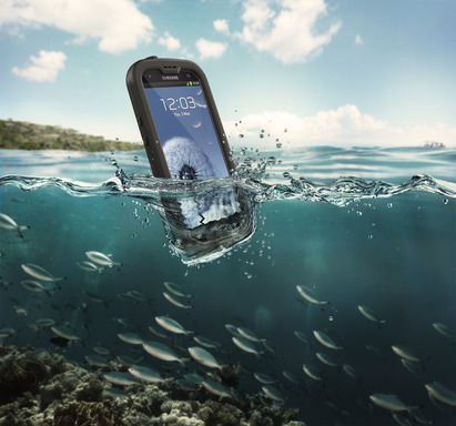 LifeProof nüüd for Samsung Galaxy SIII is totally sealed from water, dirt and dust, yet provides full touch-screen experience with nothing covering the screen.