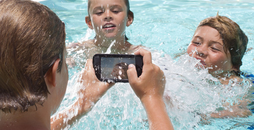 LifeProof nüüd for iPhone 5 – No screen cover yet still waterproof. Use it at the pool or the beach without worry.