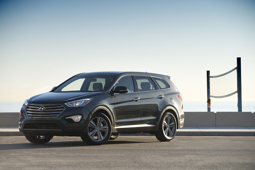 HYUNDAI SHOWCASES THE 2013 SIX/SEVEN-PASSENGER SANTA FE AT THE 2012 LOS ANGELES AUTO SHOW