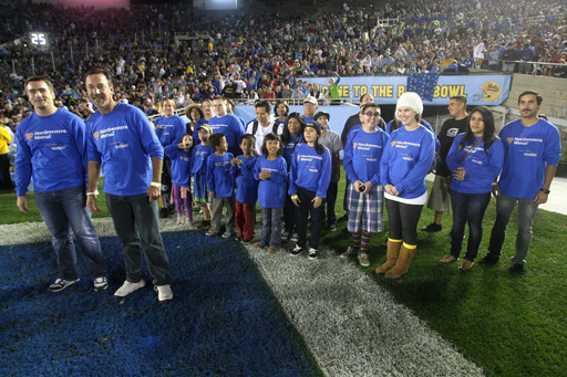 The Northwestern Mutual team in Newport Beach helps Starlight kids celebrate life at a college football game.