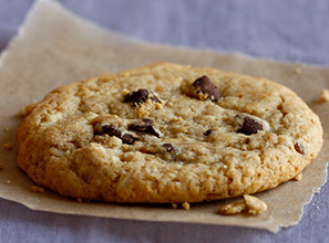 Oatmeal Chocolate Chunk Cookie