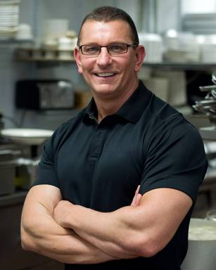 Chef Robert Irvine encourages eating eye healthy foods and wearing proper eyewear so you can see your best. He'll be with Transitions lenses at the South Beach Wine & Food Festival this weekend.