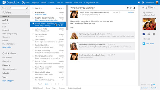 Outlook.com: Social Network Integration