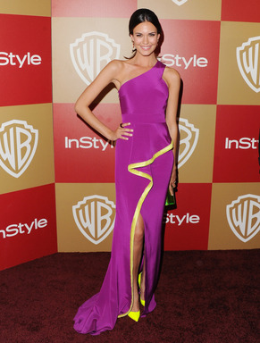Odette Annable steals the spotlight on the red carpet thanks to her strong, beautiful hair courtesy of the CLEAR SCALP & HAIR BEAUTY THERAPY 7 Day Scalp & Hair Challenge