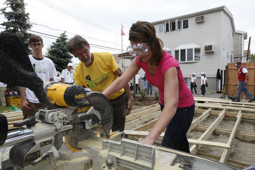 TODAY show co-host Savannah Guthrie lends a hand during a Sandy recovery project in the Brooklyn community of Gerritsen Beach.