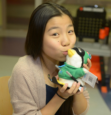 2013 Aflac Holiday Duck Designer Michelle Nguyen Shows Her Winning Design