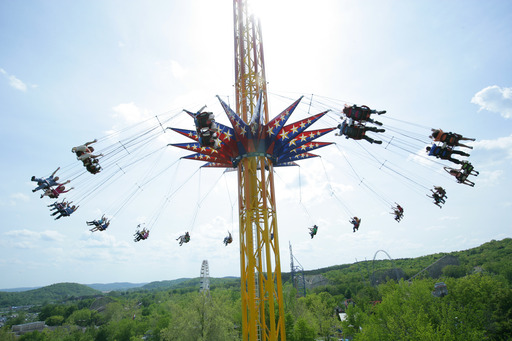 Fly 24 stories high on the SkyScreamer!